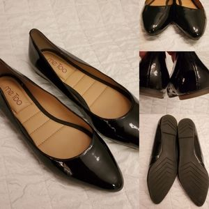 NEW   8   BLACK PATENT LEATHER padded sole FLATS